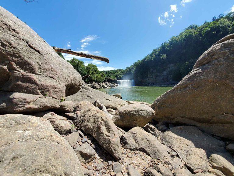 Cumberland Falls , Ahmed M Al Janahy
